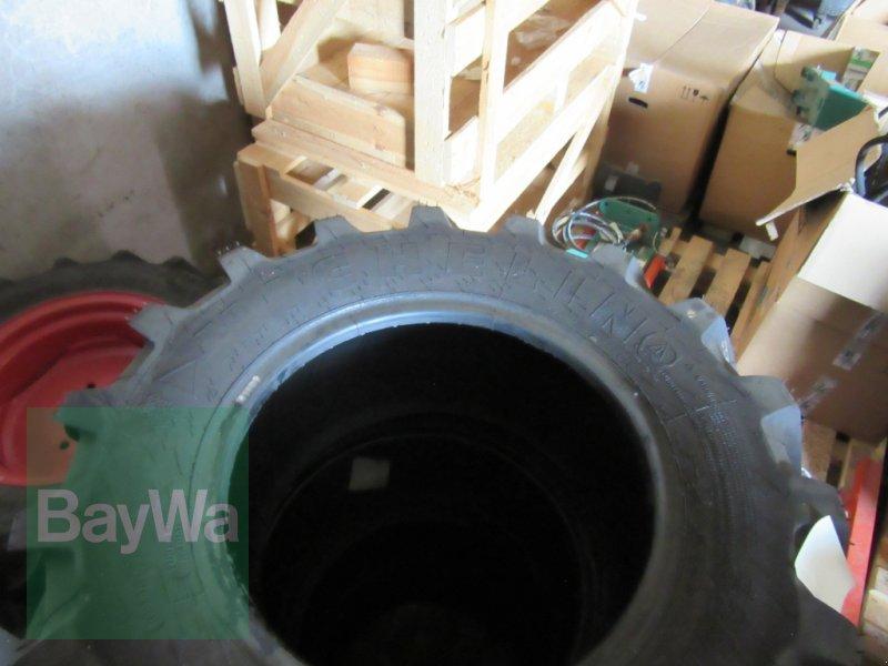 Reifen des Typs Michelin 320/65 R 18, Neumaschine in Volkach (Bild 1)