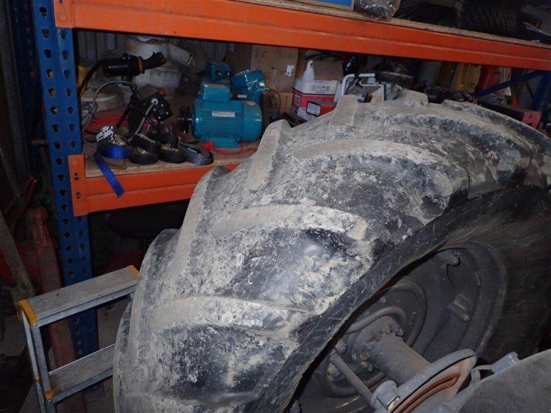 Reifen типа Michelin 480/65R28 2 stk. 70% 30%, Gebrauchtmaschine в Egtved (Фотография 3)