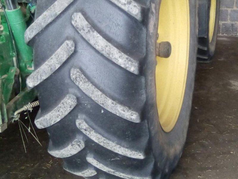 Фотография Michelin 650/65 R42