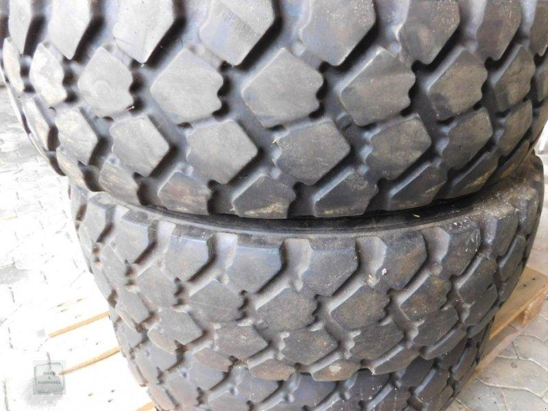 Reifen des Typs Michelin 9.00R16, Gebrauchtmaschine in Gross-Bieberau (Bild 1)