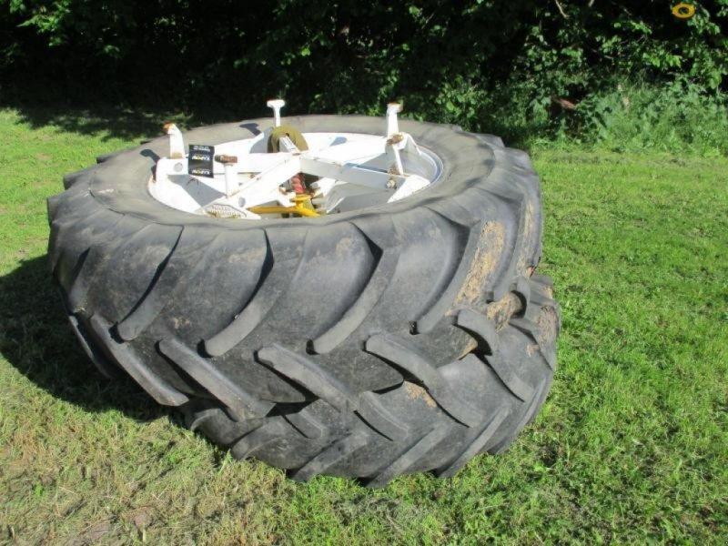 Reifen типа Michelin Michelin tvillinghjul, Gebrauchtmaschine в Østbirk (Фотография 2)