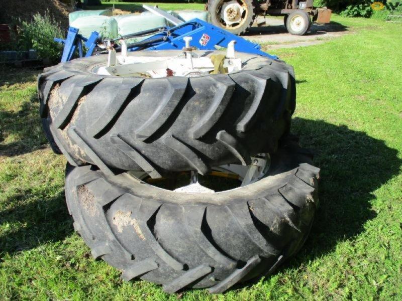 Reifen типа Michelin Michelin tvillinghjul, Gebrauchtmaschine в Østbirk (Фотография 1)