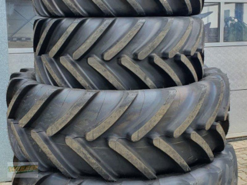 Reifen des Typs Michelin Multibib 540/65 R24, Neumaschine in Frauenneuharting (Bild 1)