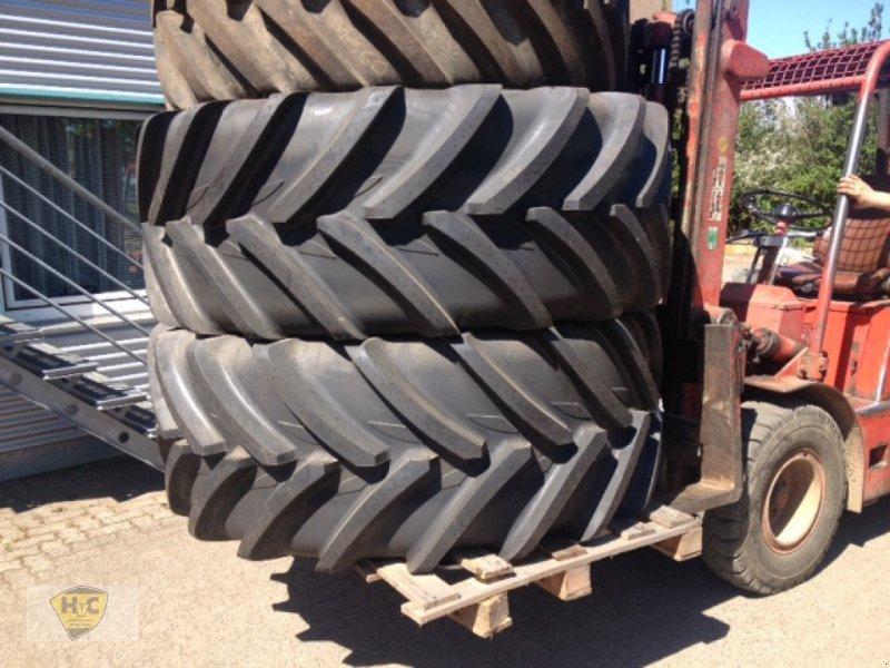 Reifen des Typs Michelin XeoBib 710/60 R42, Neumaschine in Willanzheim (Bild 1)