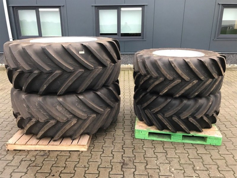 Reifen типа Michelin XEOBIB VF 520/65x38 en 520/65x28 op velg, Gebrauchtmaschine в Coevorden (Фотография 1)