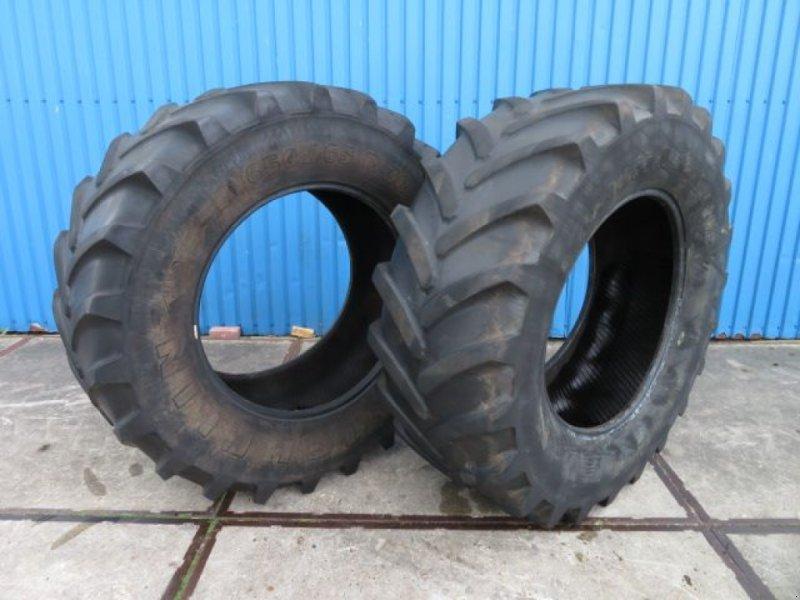 Reifen типа Michelin XM 108 650/65R38, Gebrauchtmaschine в Joure (Фотография 1)