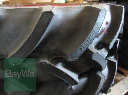 Reifen des Typs Mitas 280/70 R 20 MT, Neumaschine in Volkach (Bild 3)