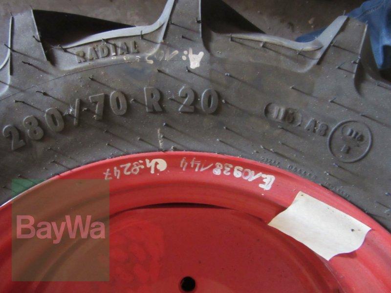 Reifen des Typs Mitas 280/70 R 20 MT, Neumaschine in Volkach (Bild 4)