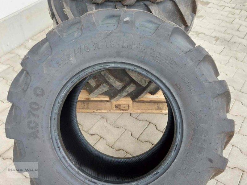 Reifen des Typs Mitas 325/70R18, Neumaschine in Antdorf (Bild 1)