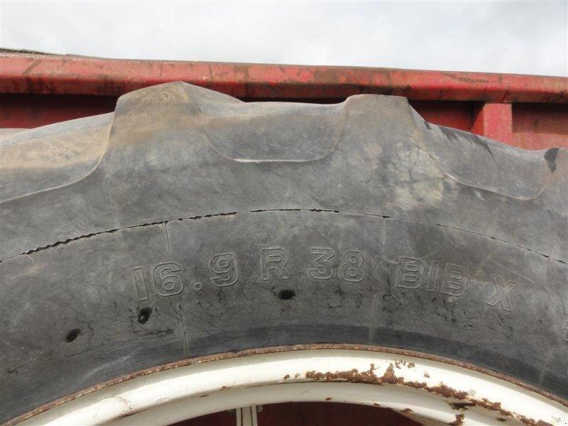 Reifen типа Molcon 16.9x38 5 armet bred Tvellingehjul, Gebrauchtmaschine в Ørsted (Фотография 2)