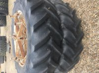 Molcon 16.9x38 5 armet bred Tvillnghjul. Reifen