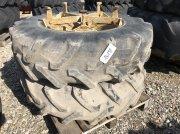 Pirelli 14.9 R28 Reifen