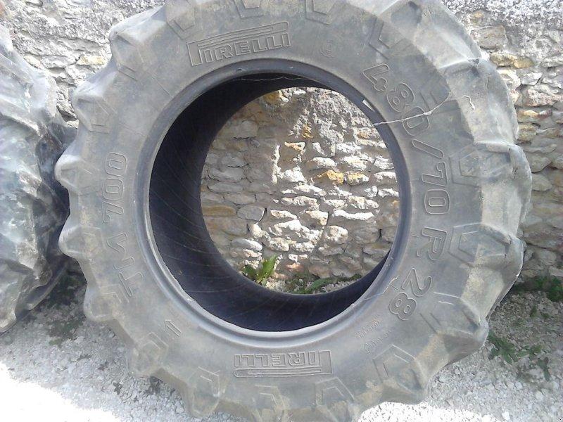 Reifen типа Pirelli 480/70x28, Gebrauchtmaschine в CHAPELON (Фотография 1)