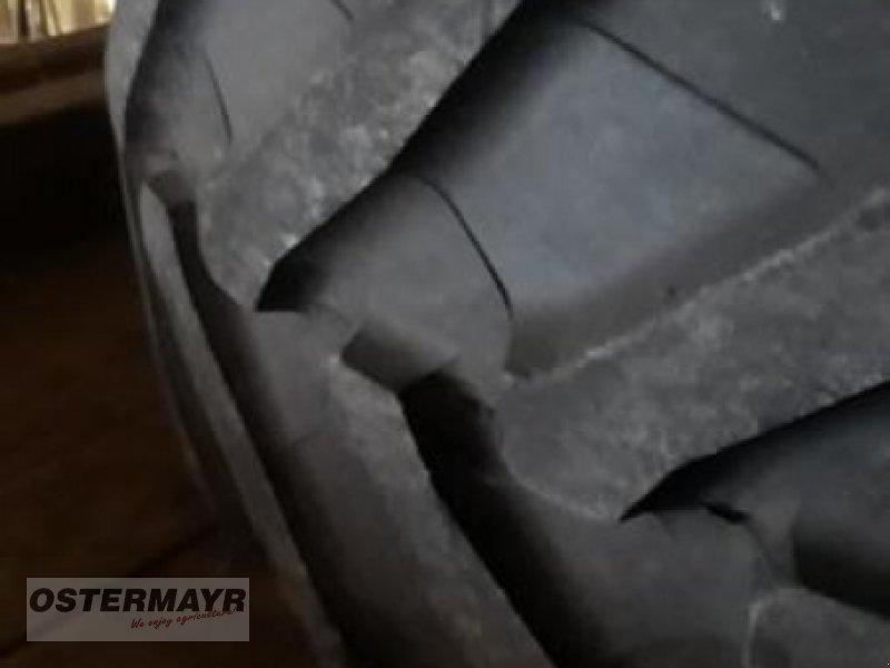 Reifen des Typs Pirelli 650/65 R42 TM 800, Gebrauchtmaschine in Rohr (Bild 1)
