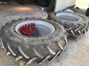 Reifen типа Sonstige 18,4-38 MED AFSTANDSRING Sandblæst og nymalet, 8 låse, Gebrauchtmaschine в Brovst