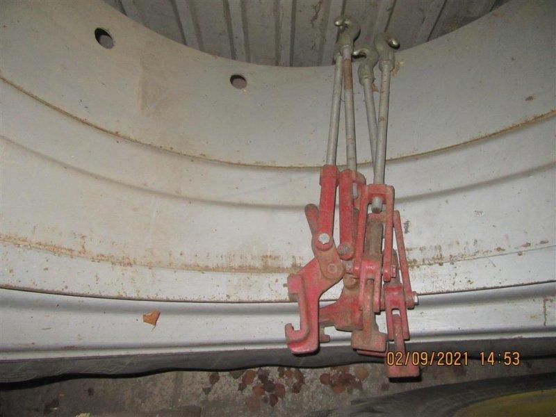 Reifen типа Sonstige 18.4x38   2 sæt hjul, Gebrauchtmaschine в Høng (Фотография 1)