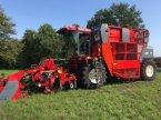 Roder des Typs Moreau 6 rij bietenrooier в Vriezenveen