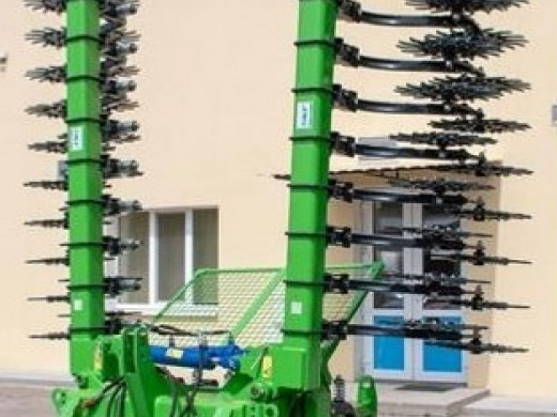 Rotorstriegel des Typs Sonstige 6,10m, Neumaschine in Waldburg (Bild 1)