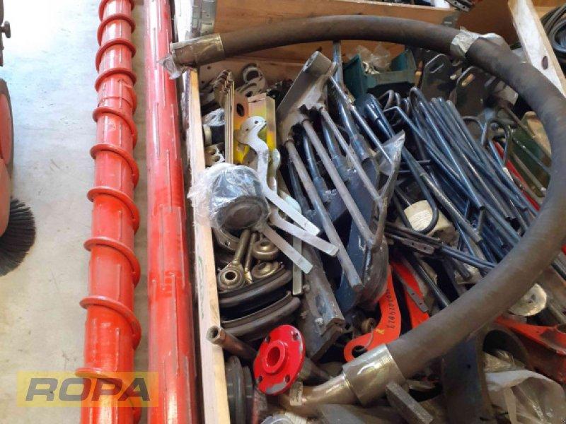 Rübenvollernter des Typs Holmer Ersatzteile, Neumaschine in Herrngiersdorf (Bild 1)