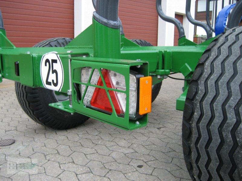Rückewagen & Rückeanhänger des Typs Farma CT 6,3-8, Neumaschine in Abenberg (Bild 3)
