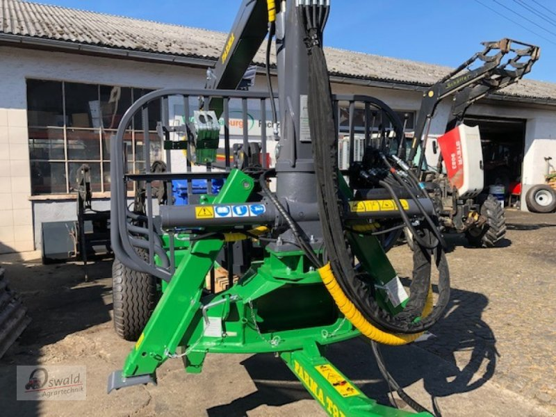 Rückewagen & Rückeanhänger des Typs Farma CT 7,0-9, Neumaschine in Regen (Bild 2)