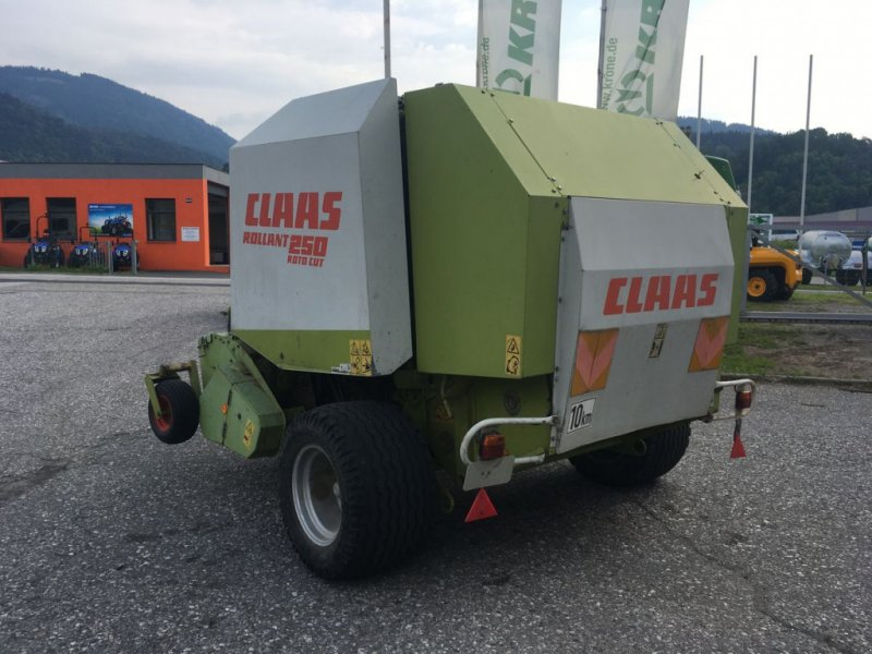 Rundballenpresse des Typs CLAAS Rollant 250 RC, Gebrauchtmaschine in Villach (Bild 2)