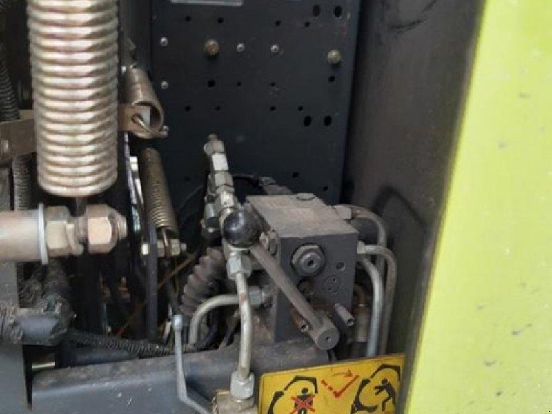 Rundballenpresse des Typs CLAAS VARIANT 385 RC, Gebrauchtmaschine in Walsrode (Bild 6)