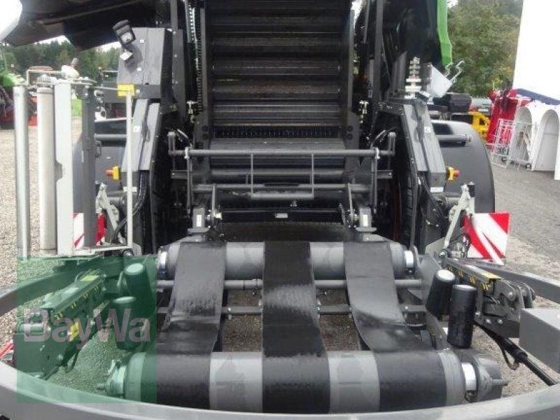 Rundballenpresse des Typs Fendt Rotana 130 F Press- / Wickelkombi, Neumaschine in Traunstein (Bild 6)