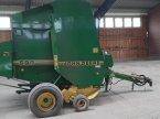 Rundballenpresse typu John Deere 590 v Arden