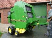 Rundballenpresse tipa John Deere 590, Gebrauchtmaschine u Kirchspiel Garding