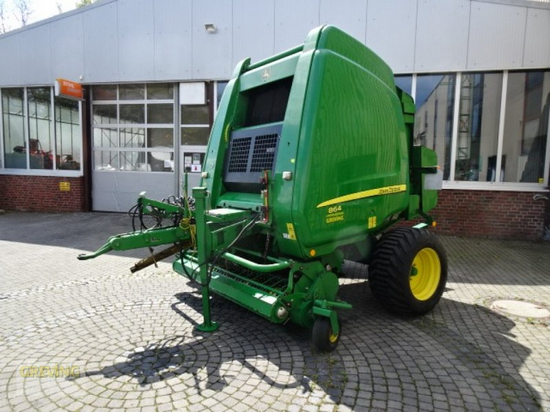 Rundballenpresse des Typs John Deere 864 Premium, Gebrauchtmaschine in Greven (Bild 1)