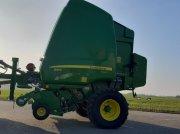 Rundballenpresse tipa John Deere 864 Premium u Tacherting