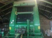 Rundballenpresse des Typs John Deere 864, Gebrauchtmaschine in PEYROLE