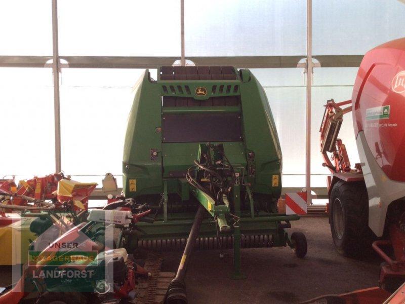 Rundballenpresse des Typs John Deere V451M, Neumaschine in Murau (Bild 1)
