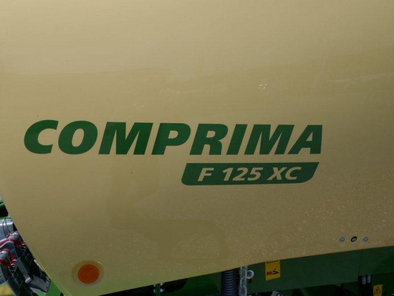 Rundballenpresse des Typs Krone Comprima F 125 XC, Gebrauchtmaschine in Villach (Bild 3)