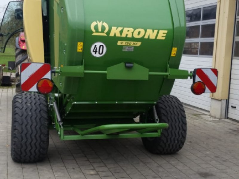 Rundballenpresse des Typs Krone Comprima V 150 XC, Gebrauchtmaschine in Sauldorf (Bild 6)