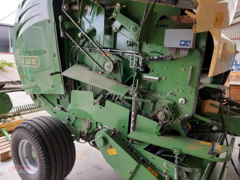 Rundballenpresse типа Krone COMPRIMA V150XC, Gebrauchtmaschine в Groß-Umstadt (Фотография 4)