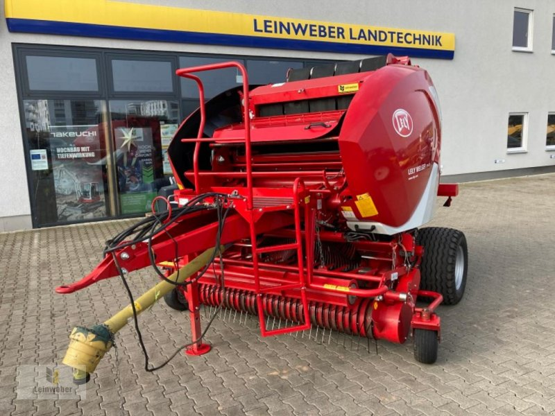 Rundballenpresse типа Lely RP 445, Gebrauchtmaschine в Neuhof - Dorfborn (Фотография 1)