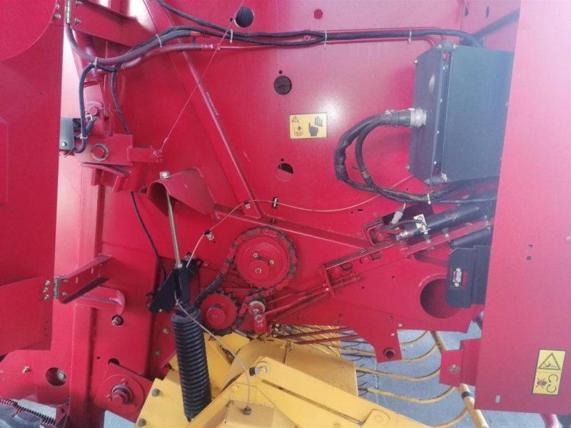 Rundballenpresse des Typs New Holland 648, Gebrauchtmaschine in Ampfing (Bild 9)