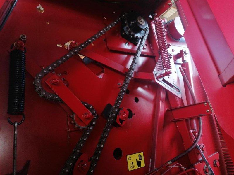 Rundballenpresse des Typs New Holland 648, Gebrauchtmaschine in Ampfing (Bild 4)