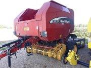 Rundballenpresse des Typs New Holland BR 740, Gebrauchtmaschine in SAVIGNEUX