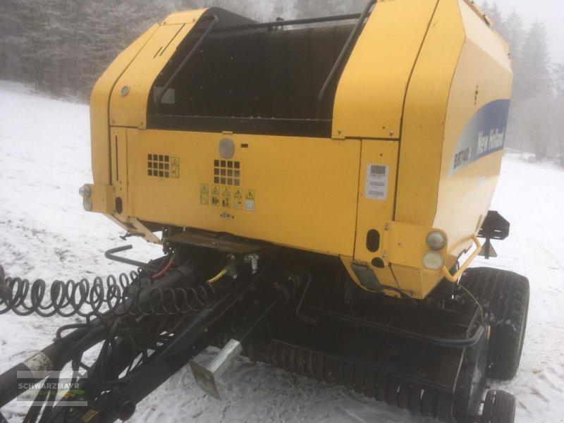 Rundballenpresse des Typs New Holland BR 740, Gebrauchtmaschine in Gampern (Bild 1)