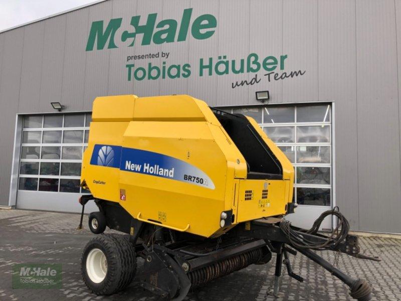 Rundballenpresse des Typs New Holland BR 750 A, Gebrauchtmaschine in Borgholzhausen (Bild 1)