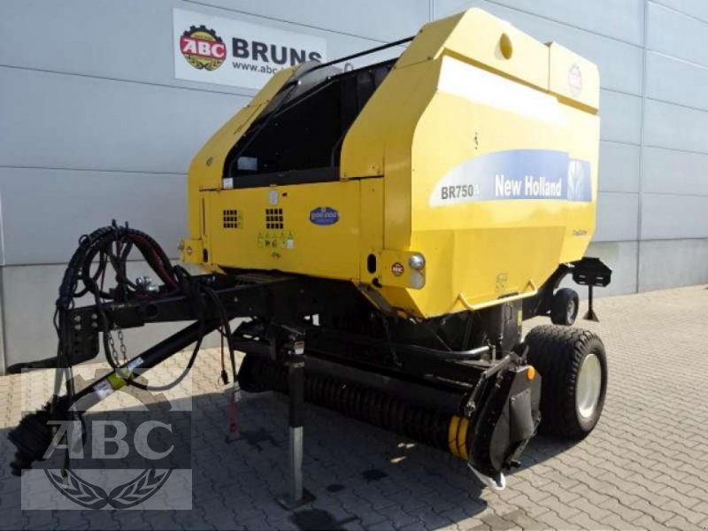 Rundballenpresse typu New Holland BR 750 AEC, Gebrauchtmaschine w Cloppenburg (Zdjęcie 1)