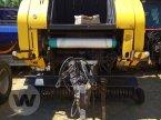 Rundballenpresse des Typs New Holland BR 750 AEC in Husum