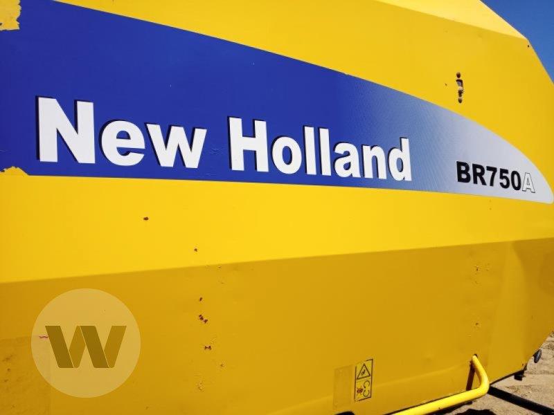 Rundballenpresse des Typs New Holland BR 750 AEC, Gebrauchtmaschine in Husum (Bild 2)