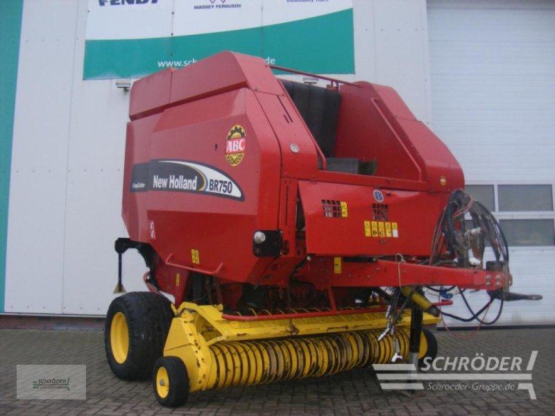 Rundballenpresse des Typs New Holland BR 750, Gebrauchtmaschine in Wildeshausen (Bild 1)
