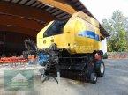 Rundballenpresse des Typs New Holland BR 750A in Hofkirchen