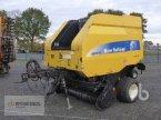 Rundballenpresse des Typs New Holland BR7070 in Meppen-Versen