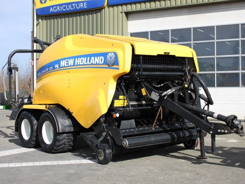 Rundballenpresse типа New Holland Roll Baler 135 Ultra, Gebrauchtmaschine в BENNEKOM (Фотография 1)